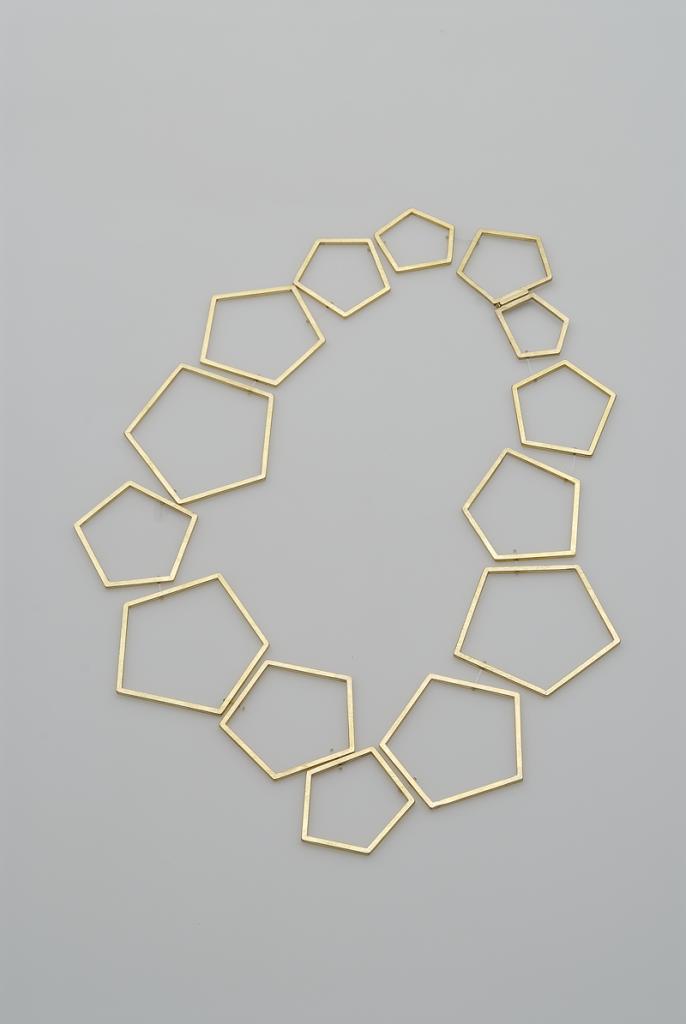 Necklace Big Pentagonos – 2009 – AU 750 Nylon